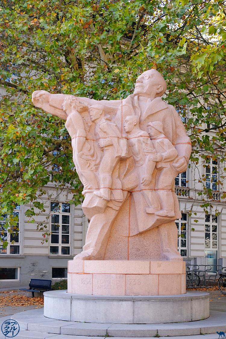 Le Chameau Bleu - Blog Escapade Gand Belgique - Statue d'Edward Anseele