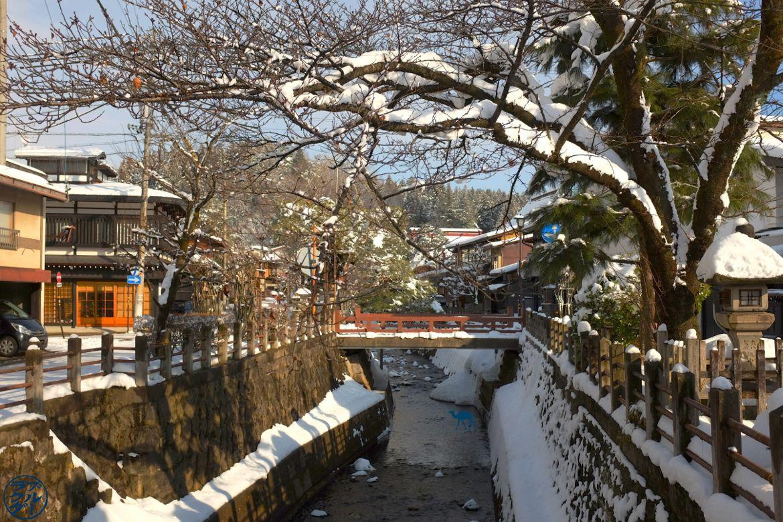 Pont de Takayama Voyage au Japon - Le Chameau Bleu Blog Voyage Takayama