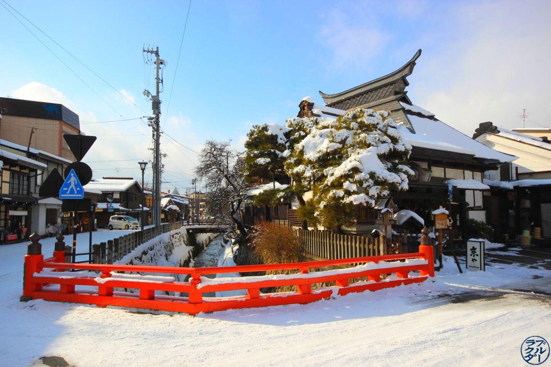 Riviere de Takayama Voyage au Japon - Le Chameau Bleu Blog Voyage Takayama