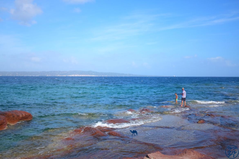 Le Chameau Bleu - Blog Voyage Sardaigne - Peche sur la plage de Calasetta Sardaigne Italie