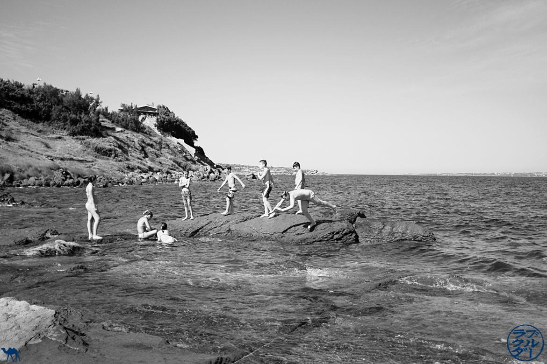 Le Chameau Bleu - Blog Voyage Sardaigne Calasetta- Accès à la mer à Calasetta Italie