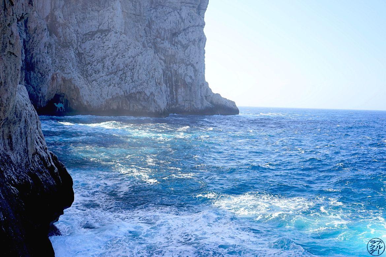 Le Chameau Bleu -Blog Voyage Sardaigne - Paysage de la grotte de Neptune grotto di Nettuno Sardaigne