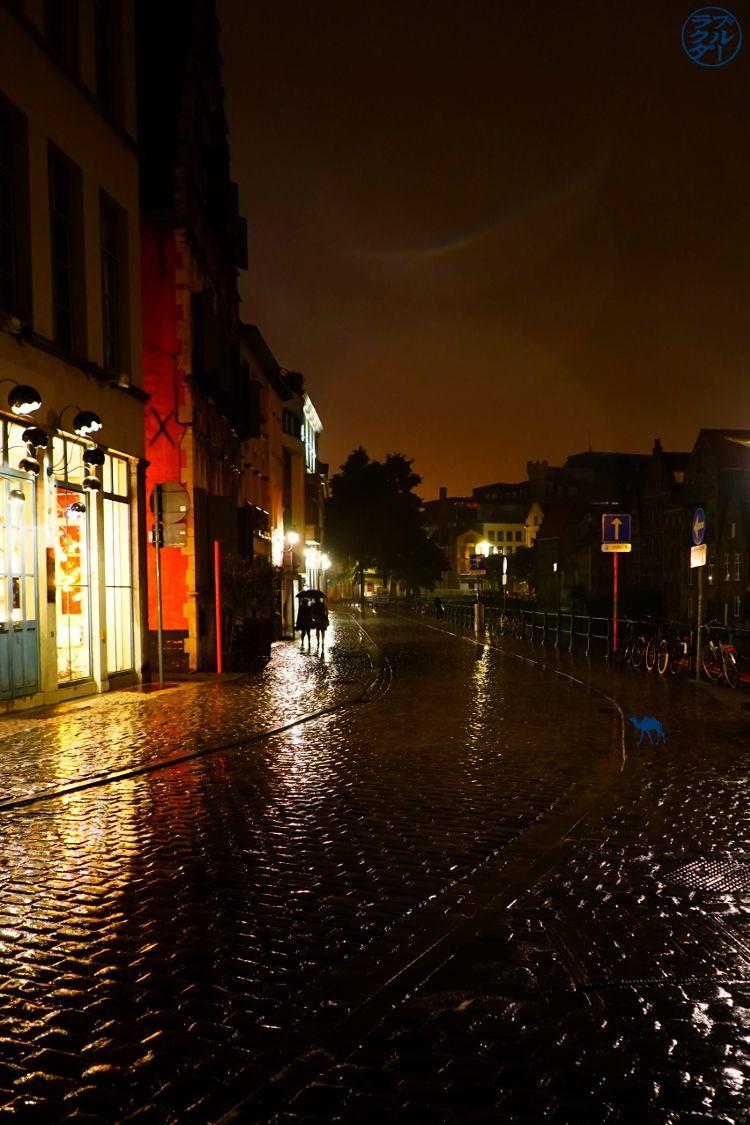 Le Chameau Bleu - Blog Voyage Gand Belgique - Tourisme Gand Belgique - Les rues de Gand à la tombée de la nuit Belgique