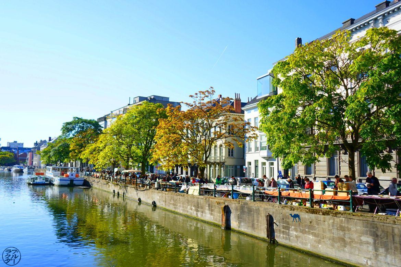 Blog Voyage Gand Belgique - Stand du Marché aux Livres de Gand Canaux de Gand Belgique
