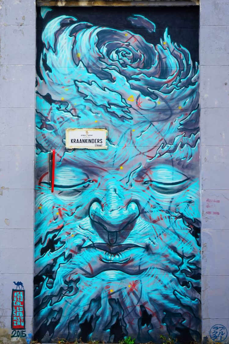 Le Chameau Bleu - Street art gantois - Belgique - Virée à Gand Flandres Belges