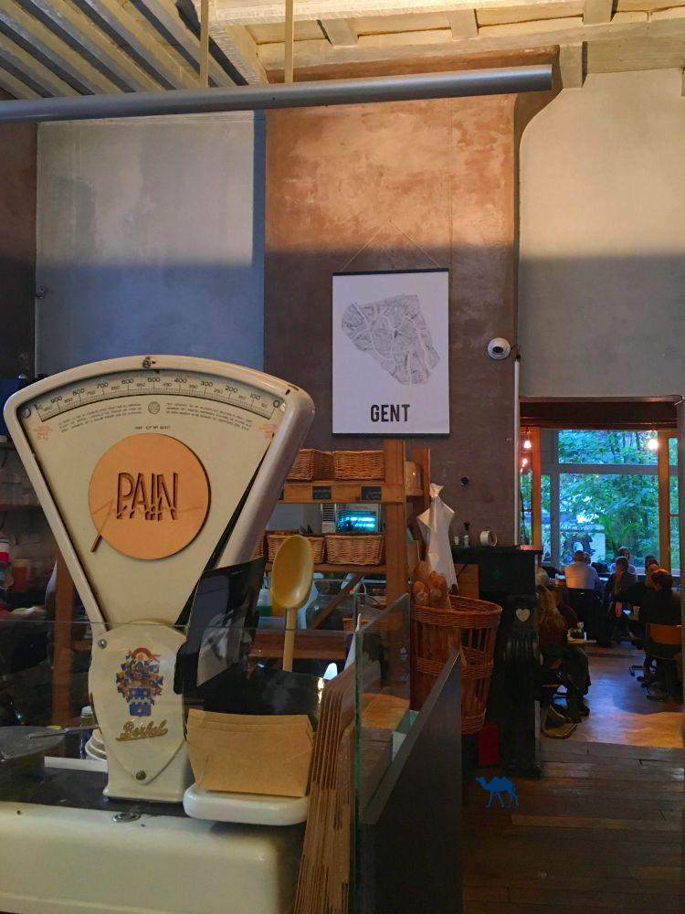 Le Chameau Bleu - Blog Voyage Gand Belgique - Pain Perdu Interieur Café Restaurant Gand Belgique