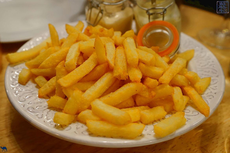 Le Chameau Bleu - Blog Voyage Restaurant Gand Belgique - Frites belges de la carbonade de meme gusta - Restaurant à Gand Belgique