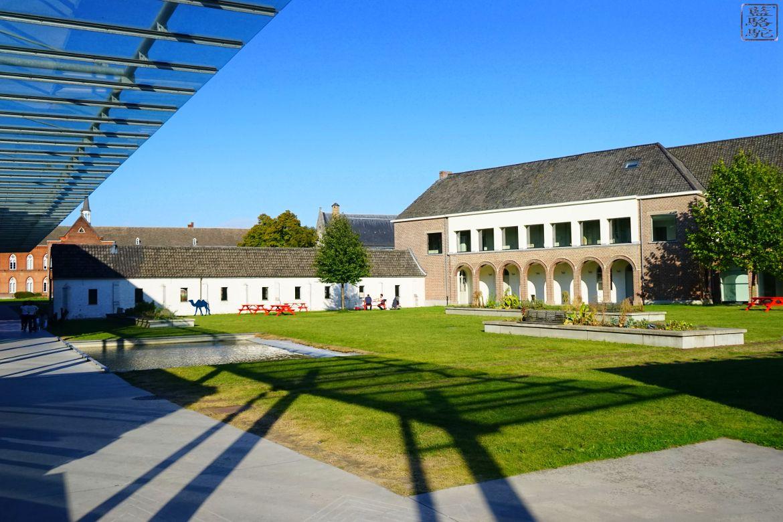 Le Chameau Bleu - Blog Voyage Gand Belgique - Le Site du STAM -Gand Musée Belgique