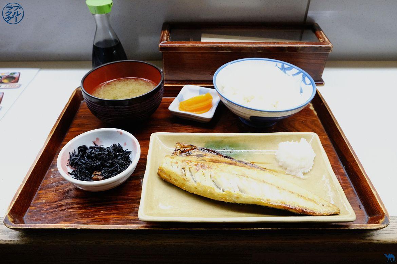 Le Chameau Bleu - Blog Japon Aomori- Déjeuner au Marché au poisson de Aomori - Voyage dans le Tohoku au Japon