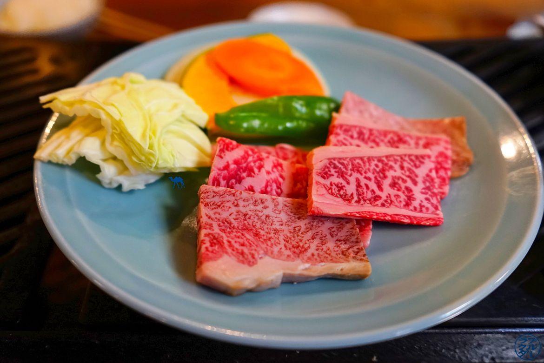 Repas à Takayama - Boeuf de Hida - Le Chameau Bleu Voyage au Japon dans les alpes japonaise - Gifu