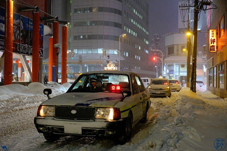 Le Chameau Bleu - Blog Voyage Japon - Visite de Aomori dans le Tohoku voyage au japon - Taxi de Aomori