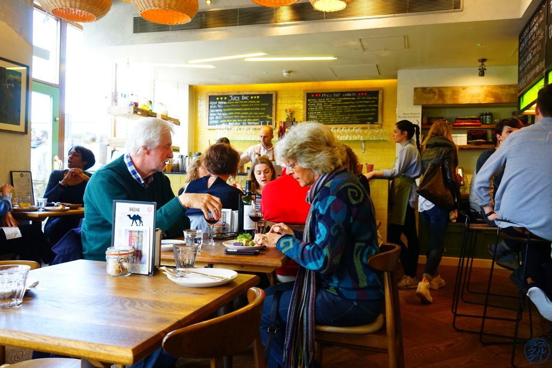 Salle du restaurant Andina Shoreditch UK- Le Chameau Bleu Blog Voyage Londres
