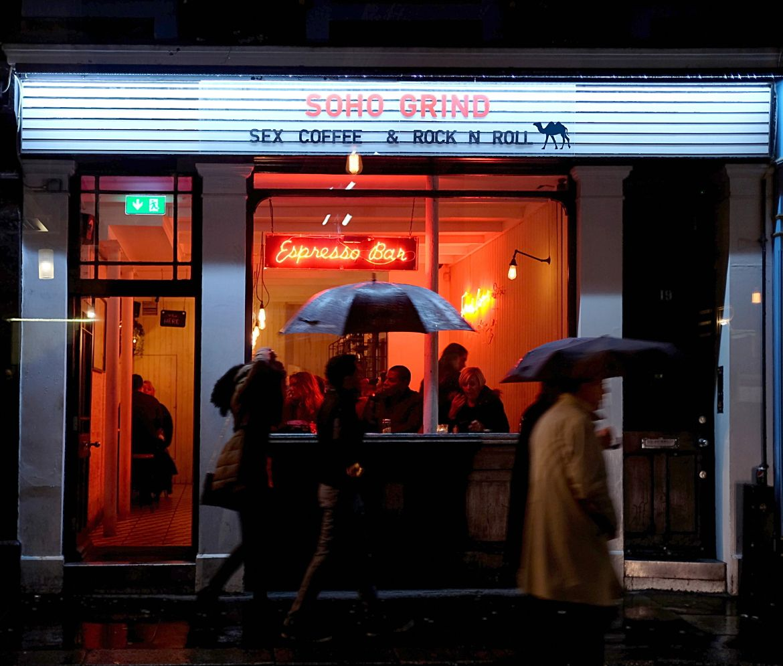 Le Chameau Bleu - Blog Voyage à Londres UK - Week End à Londres - Soho Grind