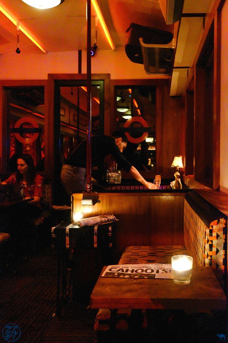 Le Chameau Bleu - Blog Bonnes adresses Londres - Cahoots Bar Cocktails Centre Londres