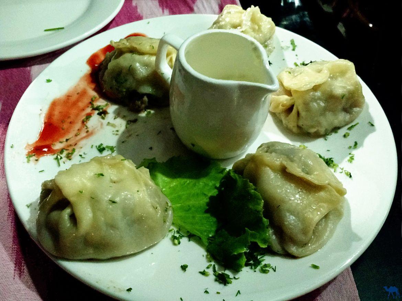 Le Chameau Bleu - Blog Voyage Boukhara Ouzbékistan - Mandu du restaurant Minzifa