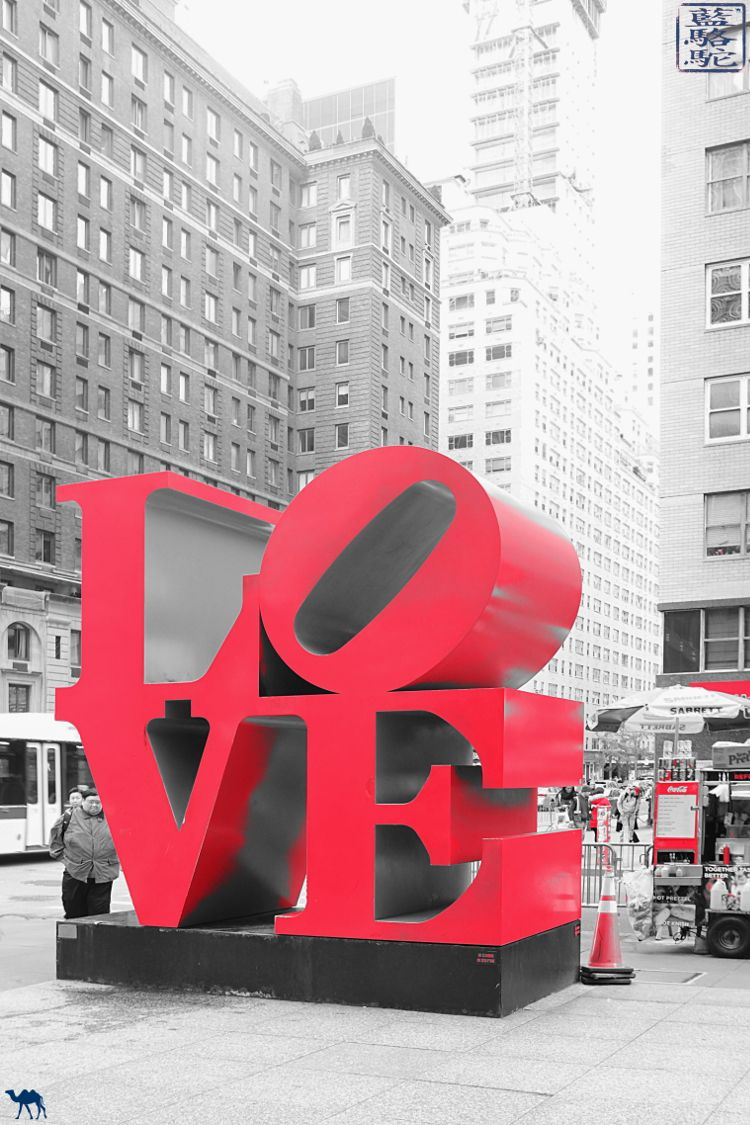Le Chameau Bleu - Blog Voyage New York City New York Manhattan - Sculpture LOVE de Robert Indiana