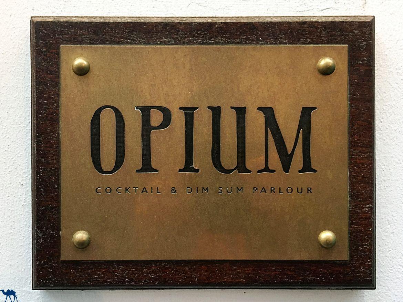 Blog Voyage Londres - Entrée de l'Opium Bar Centre de Londres- Bar Cocktail Londres