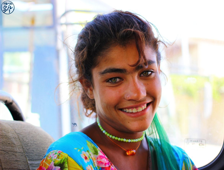 Jeun Fille de Samarcande en Ouzbékistan