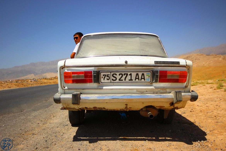 Le Chameau Bleu - Blog Voyage Ouzbékistan Asie Centrale - Notre chauffeur à Boysun - Voyage en Ouzbékistan