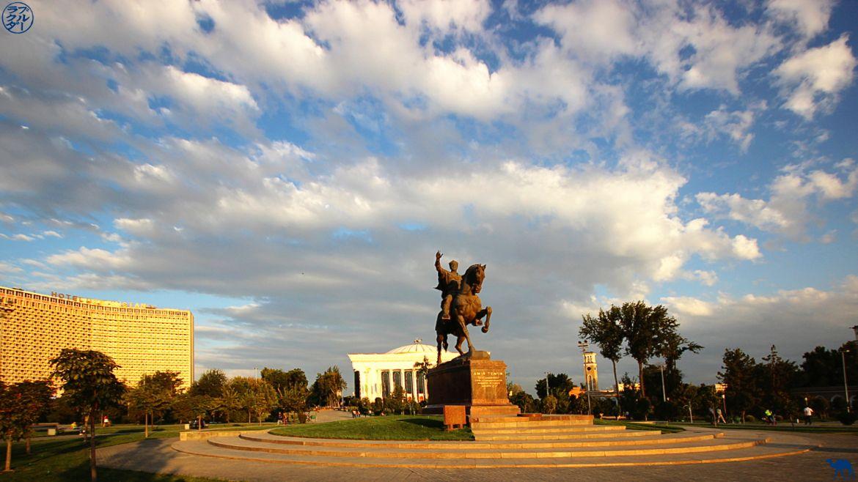 Statut de Tamerlan -Tachkent - Voyage OUzbékistan