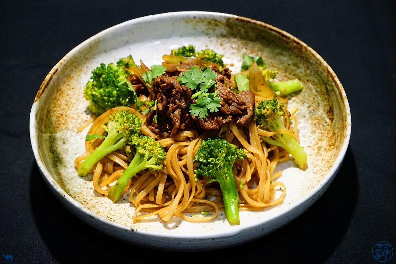 Le Chameau Bleu - Blog Cuisine asiatique et Voyage - Recette de Pates de Riz sautées au Boeuf et Brocoli