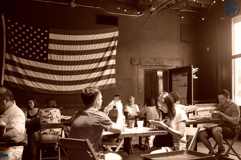 Le Chameau Bleu - Déjeuner au restaurant Hometown BBQ à RedHook Brooklyn - Bon plan à New York