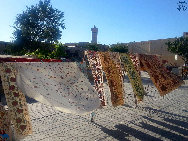 Suzanis Tissus Ouzbeks - Découverte de la ville de Boukhara -Périple en Ouzbékistan - Le Chameau Bleu