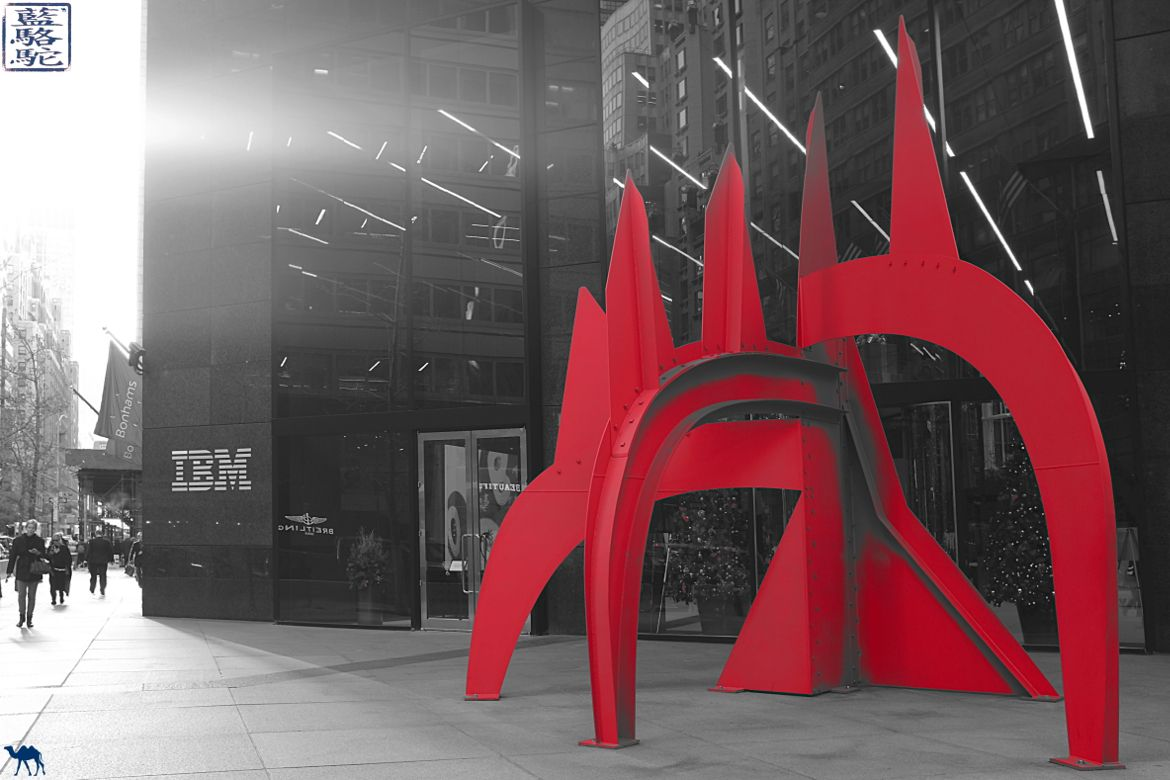 Le Chameau Bleu - New York Manhattan Oeuvre de Calder - Sculpture Blog Voyage New York City