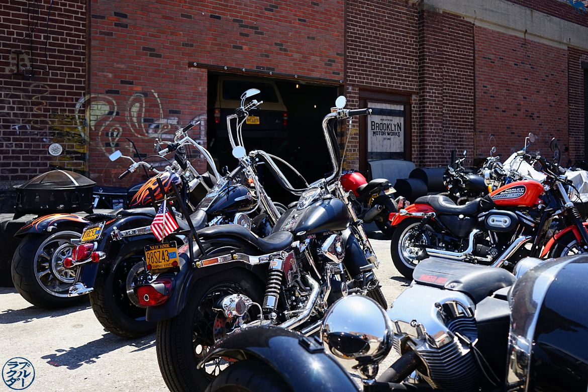 Le Chameau Bleu Blog Voyage USA - Garage à Harley Davidson de Red Hook - Balade dans Brooklyn New York