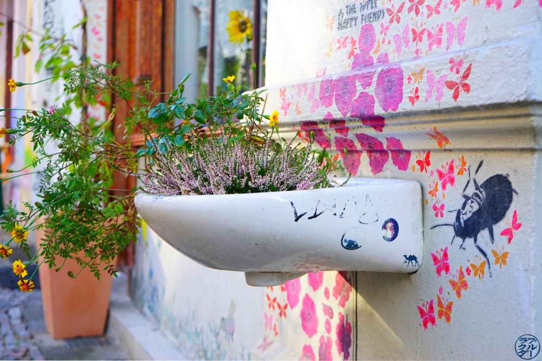 Le Chameau Bleu - Blog Voyage Berlin - Lavabo street art