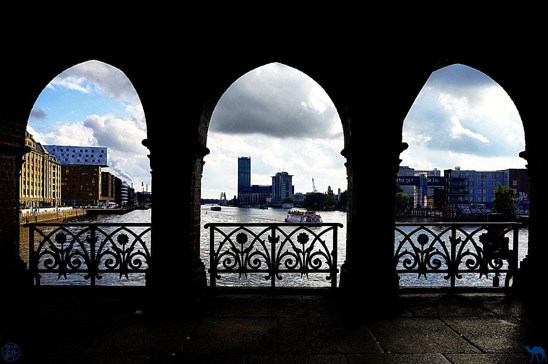 Le Chameau Bleu- Blog WeekEnd Barlin- Pont de Berlin Allemagne