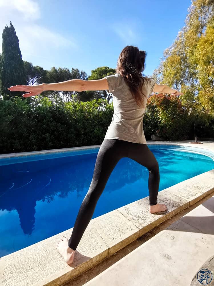 Le Chameau Bleu - Blog Voyage et OutDoor - Yoga avec Legging Anita