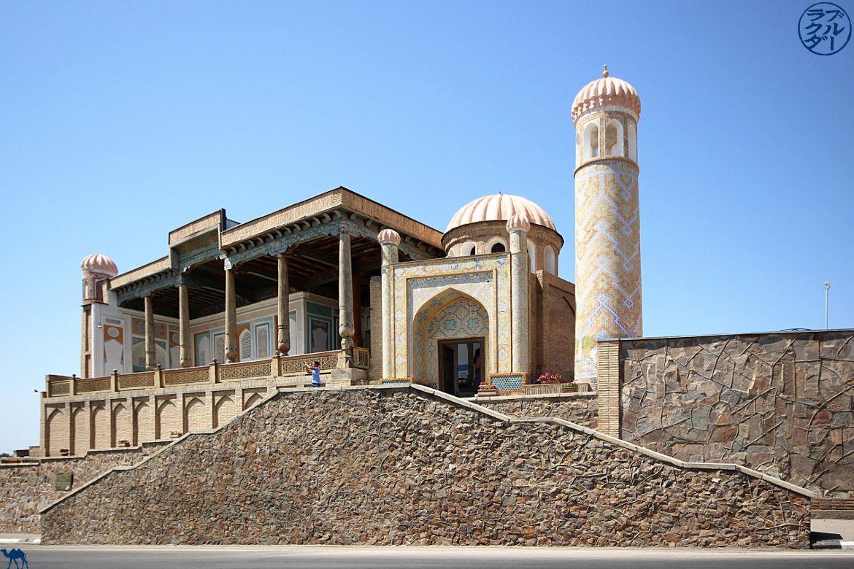 Le Chameau bleu - Blog Voyage Ouzbekistan Samarcande- Mosquée Khazrat Khizr