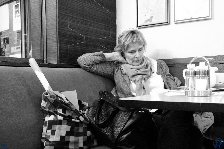 Le Chameau Bleu Blog Voyage Vienne - Lectrice au Café Korb