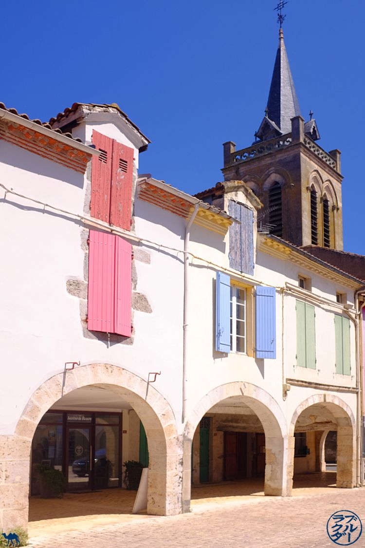 Le Chameau Bleu -Blog Voyage Photo du Lot et Garonne - Bastide de Damazan