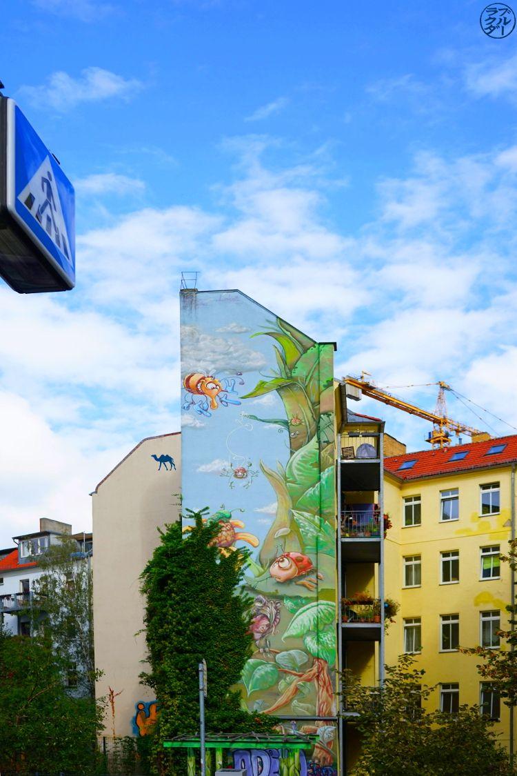 Le Chameau Bleu - Balade Berlin- fresque murale Rue Berlin