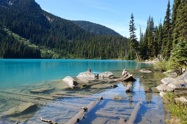 Le Chameau Bleu - Blog Voyage Colombie Britannique Canada - Baignade dans Joffre Lakes