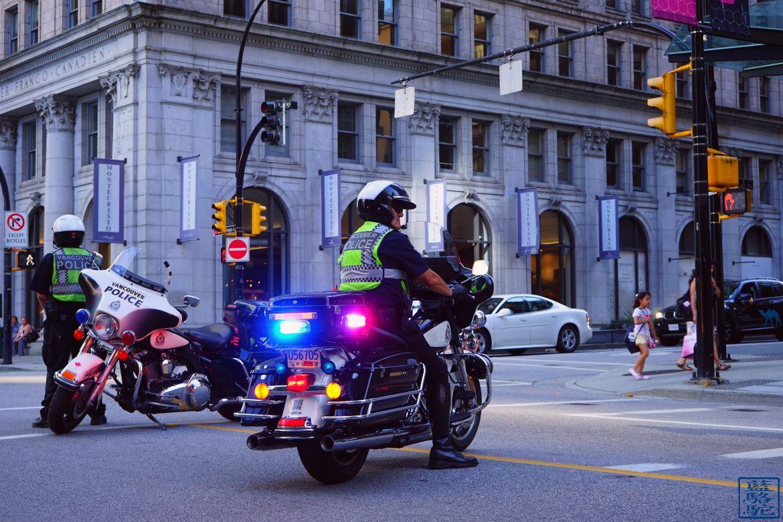 Le Chameau Bleu - Blog Voyage Vancouver Canada - Policiers de Vancouver