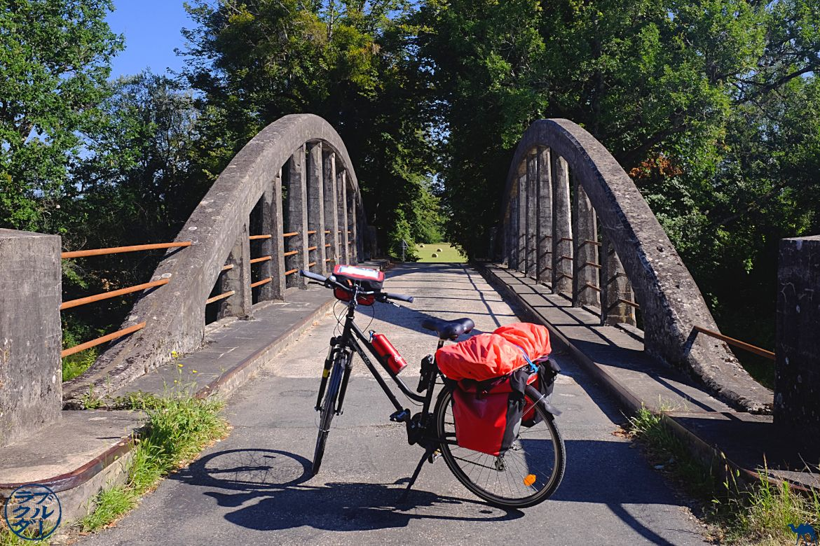 The Blue Camel - South-West France Travel Blog - Canal de los dos mares de bicicletas