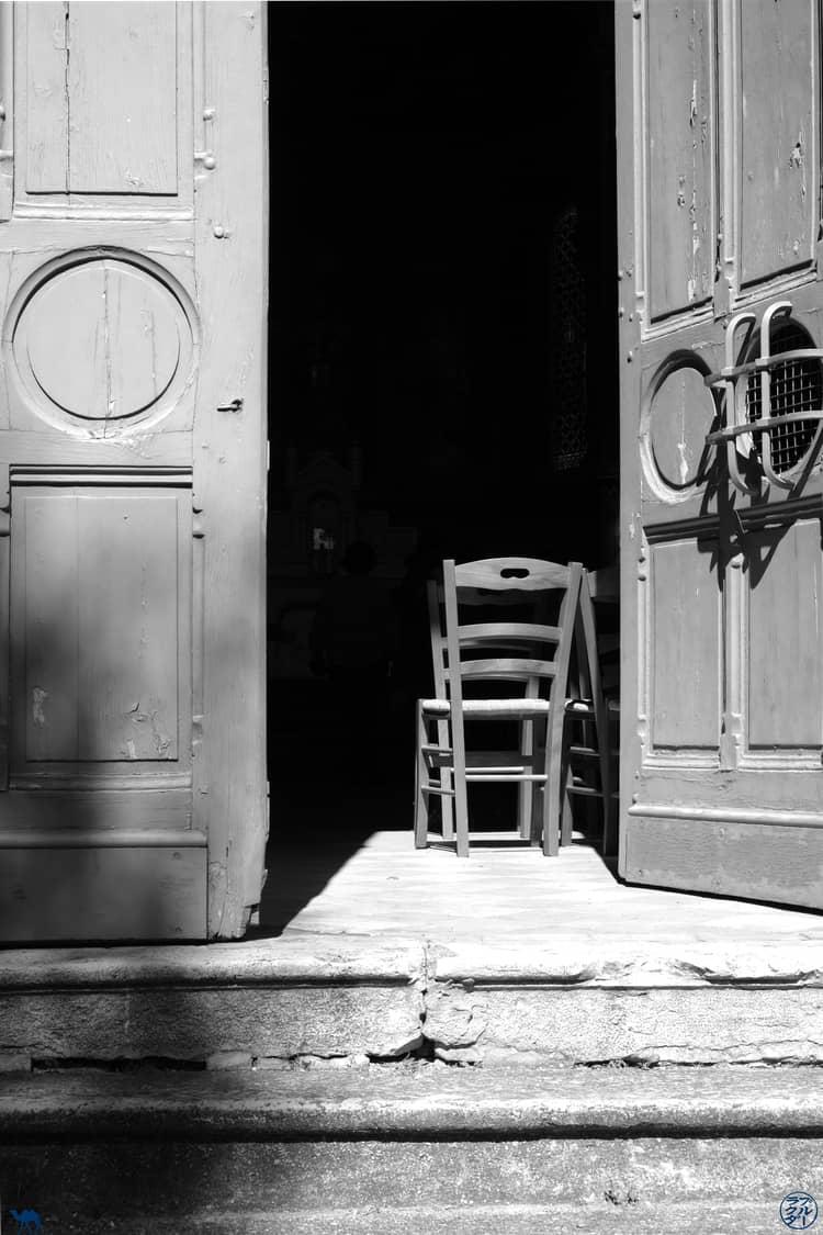Le Chameau Bleu - Blog Voyage et Cuisine -  Chaise de l'Eglise de Lapeyrouse - Tarn et Garonne