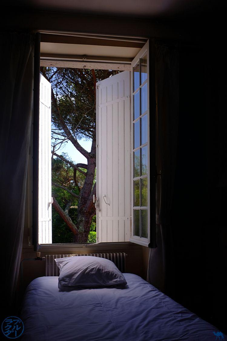 Le Chameau Bleu - Blog Voyage à Vélo Canal de l'Entre Deux Mers - Chambre de l'Hotel le Prince Noir à Sérignac sur Garonne - Lot et Garonne France