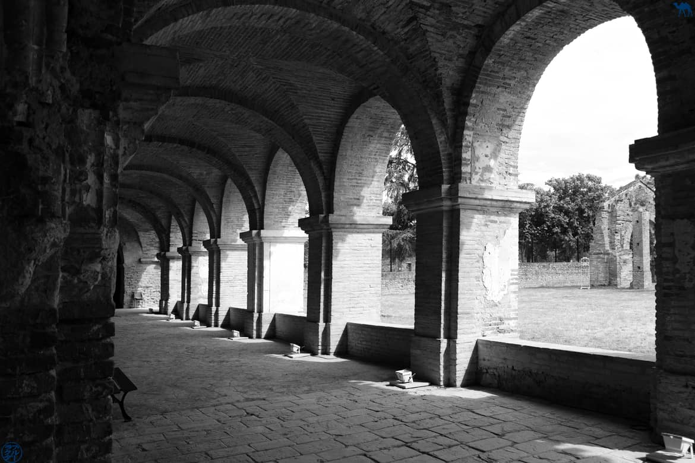 Le Chameau Bleu - Blog Voyage et Cuisine - Cloitre Abbaye Belleperche - Tarn Et Garonne