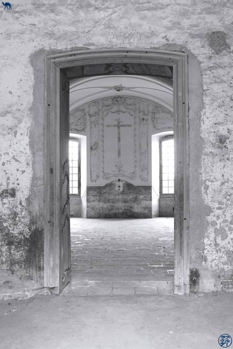 Le Chameau Bleu - Blog Voyage et Cuisine - Couloir Abbaye Belleperche - Tarn Et Garonne