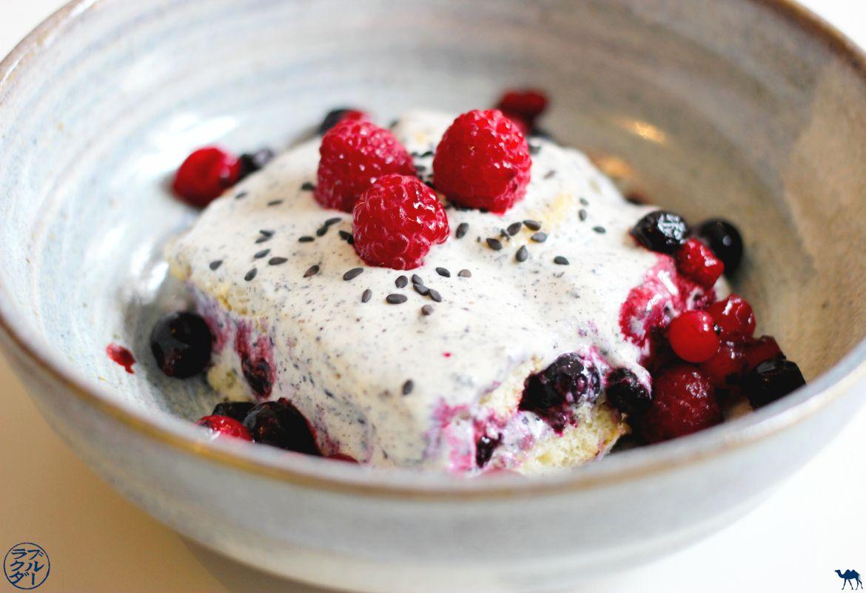 Le Chameau Bleu - Blog Cuisine - Recette tiramisu aux fruits rouge et sésame noir