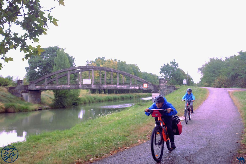 o camelo azul - blog o canal de 2 Seas de bicicleta - Viajar com crianças