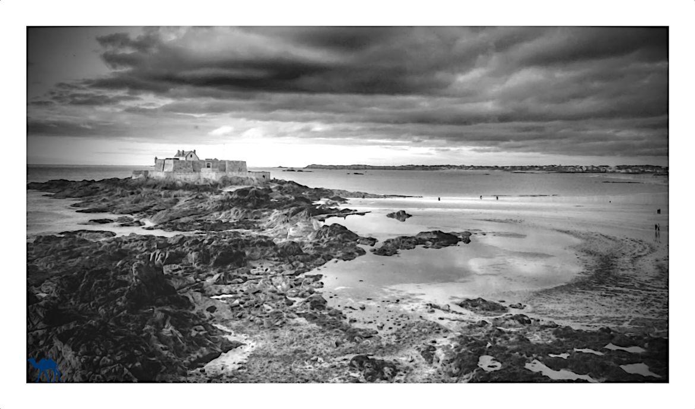 Le Chameau Bleu - Blog Voyage Saint Malo France - Fort National en face de Saint Malo