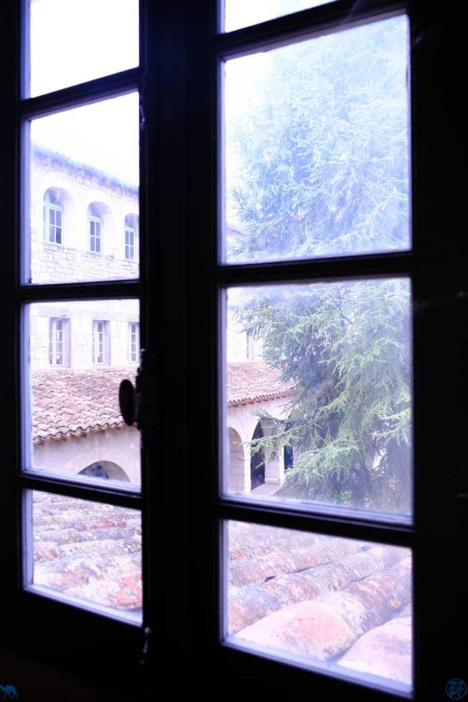 Le Chameau Bleu - Blog Voyage et Gastronomie - Fenêtre Couvent des Ursulines - Montpezat de Quercy