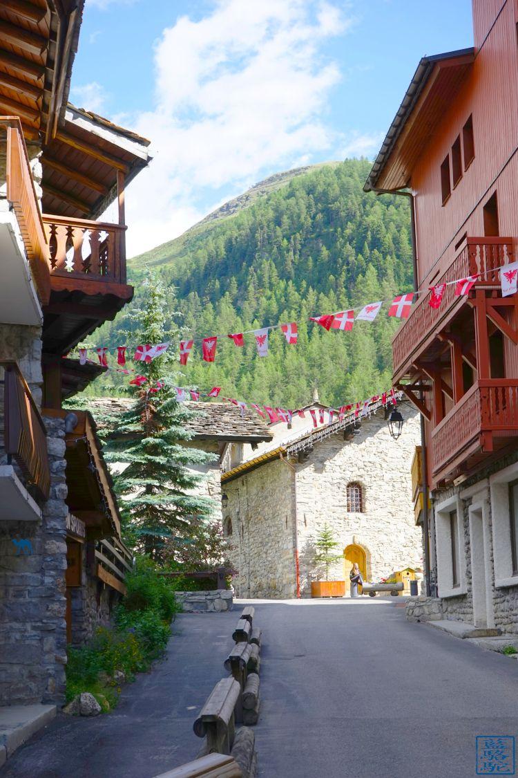 Le Chameau Bleu - Blog Voyage Val d'Isère - Village de Val d'Isère France