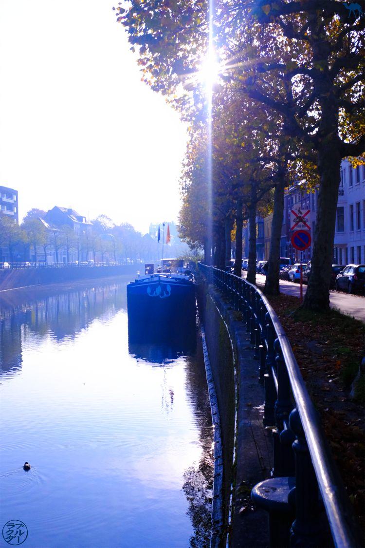 Le Chameau Bleu - Blog Escapade à Gand - Canaux au petit matin