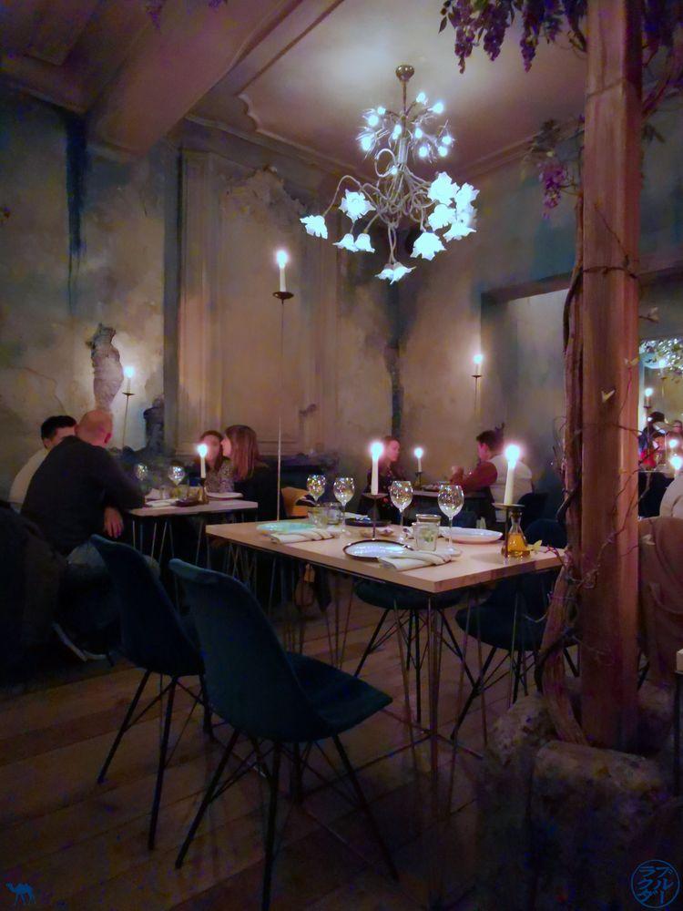 Le Chameau Bleu - Blog Voyage - Adresses Slow Food à Gand - Restaurant Epiphany- Salle